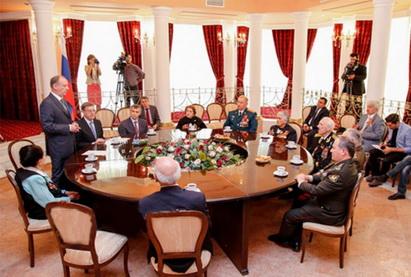 Азербайджанским ветеранам Великой Отечественной войны вручены награды Совета безопасности России