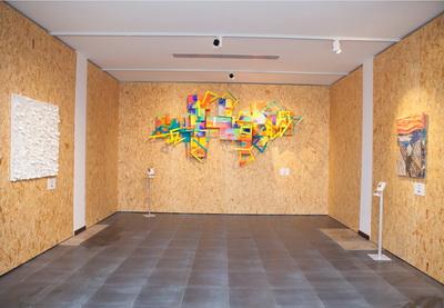 В Баку открылась выставка «От отходов к искусству» - ФОТО