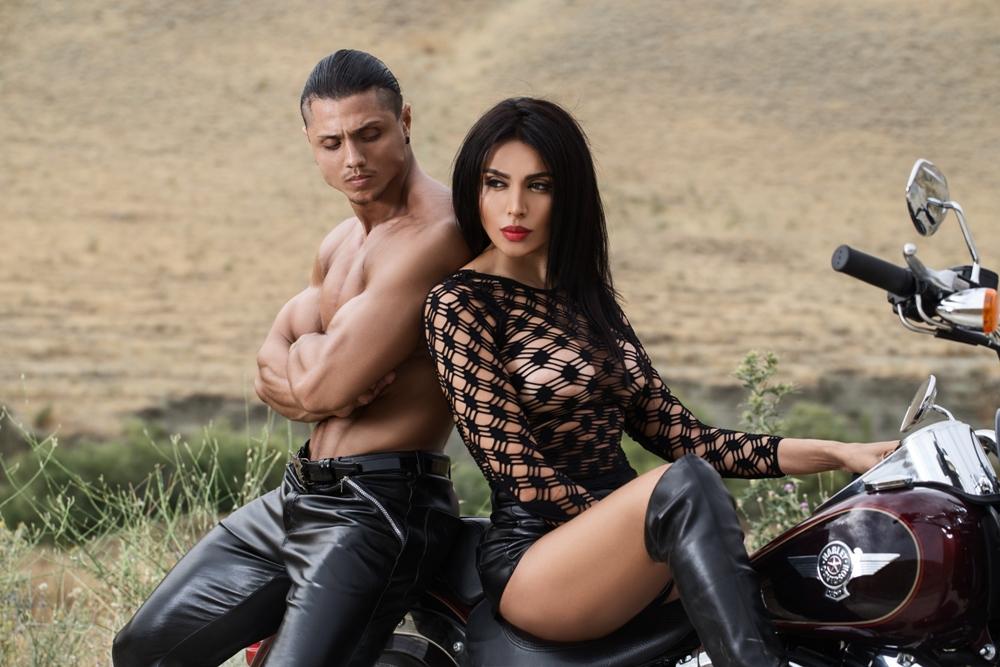 «Любовь и Harley-Davidson!». Провокационная фотосессия Нуриды Алиевой и DJ Narosh – ФОТО