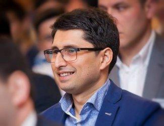 Рамиз Мехтиев о роли инноваций в модернизации Азербайджана - Обзор книги