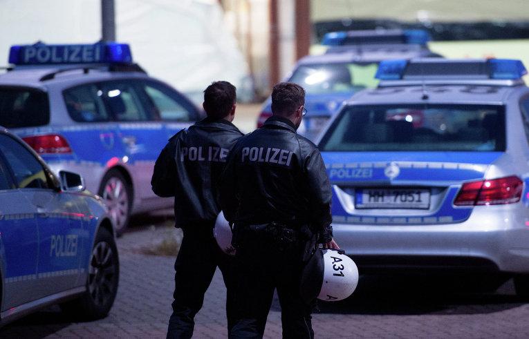 В Лейпциге полиция применила водомёты для разгона акции неонацистов