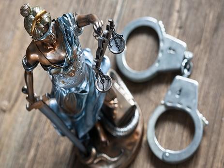 В Испании 30 человек арестовали в ходе операции против наркоторговцев-рэкетиров
