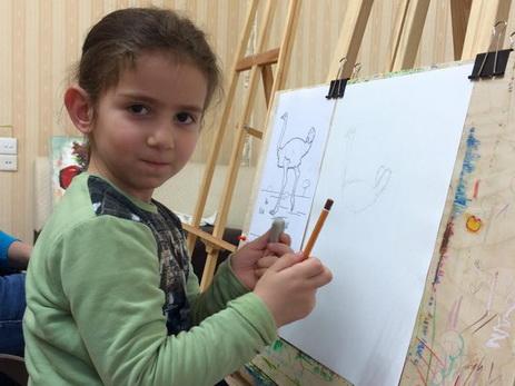 Работы юной художницы из Баку завоевывают призовые места на международных конкурсах - ФОТО