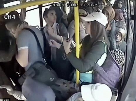 К автобус сексуальные домогательства
