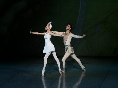 Нигяр Ибрагимова и Гюльагаси Мирзоев исполнили в Бишкеке адажио из балета «Семь красавиц» - ФОТО