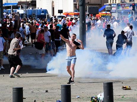 Британские фанаты получили тюремные сроки забеспорядки вМарселе