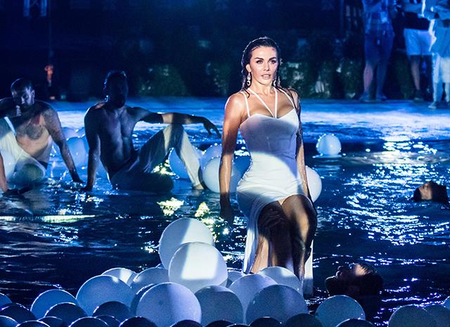 «Горячий» номер Анны Седоковой на фестивале «Жара» - ФОТО – ВИДЕО