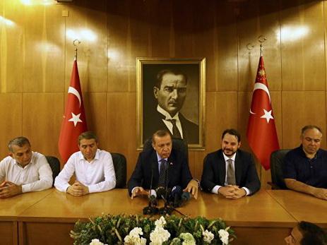 Эрдоган: введение смертной казни для мятежников откладывать нельзя