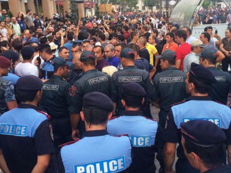 ВЕреване изздания милиции освободили 2-х заложников