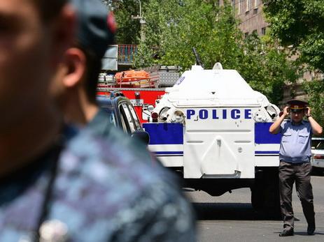 Ранен участник захватившей полк ППС группы «Сасна црер» Араик Хандоян— милиция Армении