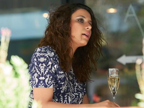 В брызгах шампанского. Художница Мехрибан Шамсадинская: «Мне нравится образ дамы с бокалом» - ФОТО
