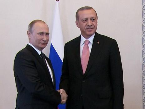 Президент Турции Эрдоган прилетел вПетербург иначал переговоры сВладимиром Путиным