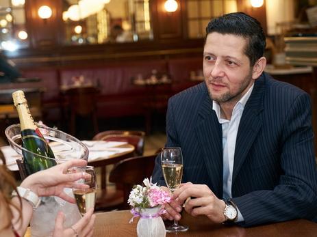 В брызгах шампанского. Рашад Мехтиев: «Я договорился с легким прогулочным катером и кинулся в погоню за яхтой!»