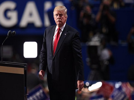 Трамп пообещал cпервого дня своего президентства высылать изсоедененных штатов нелегалов