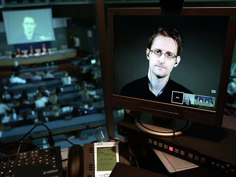 Сноуден признал, что захакерскими атаками наСША может стоять Российская Федерация