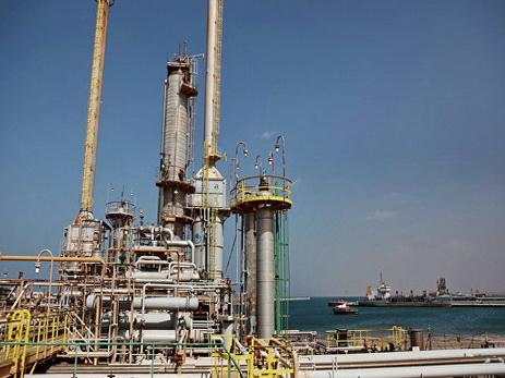 Ливийская армия заявила овзятии двух нефтяных портов навостоке страны