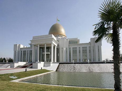 Новая конституция: полномочия руководителя Туркменистана увеличены до7 лет
