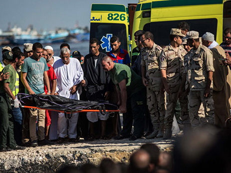 Число жертв крушения лодки смигрантами уберегов Египта превысило 200 человек