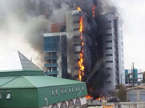 Пожар встроящемся помещении вУфе потушен