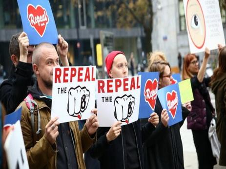 ВВаршаве прошел многотысячный протест против запрета абортов