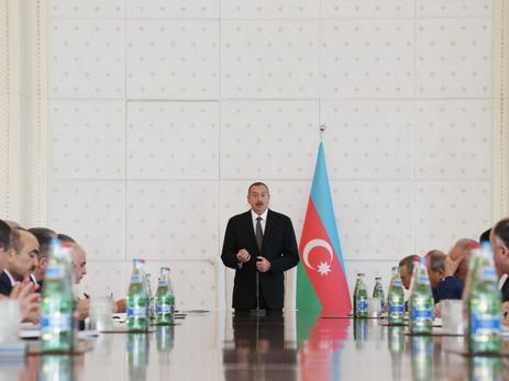 Ильхам Алиев: «Наше преимущество заключается в том, что мы всегда идем своим путем, проводим свою политику, не действуем по чьей-либо указке» - ФОТО