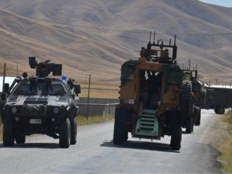 Трое военных погибли при взрыве наюго-востоке Турции