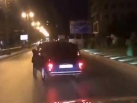 Дорожная полиция задержала автохулигана, «дрифтовавшего» на «Ниве» в Баку – ВИДЕО