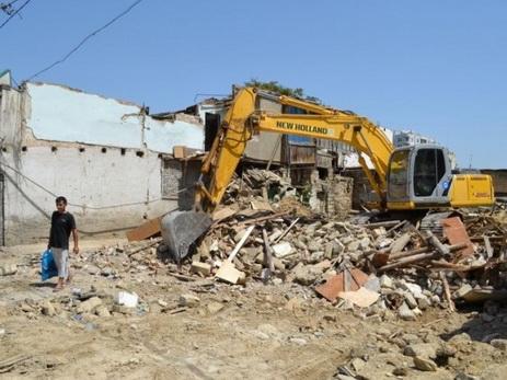В Баку началось переселение жильцов из 8-ми аварийных зданий