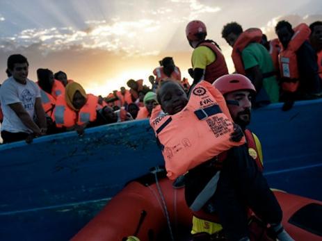 ВЛивии наберегу обнаружили тела 16 мигрантов