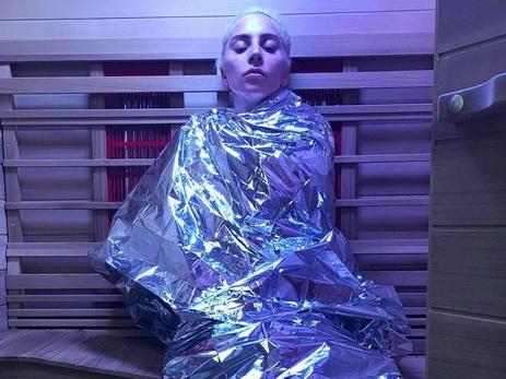 Леди Гага рассказала освоей борьбе схроническими болями
