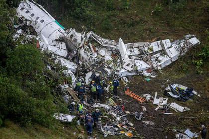 Бразилия должна выслать боливийку, одобрившую вылет разбившегося вКолумбии самолета— МВД