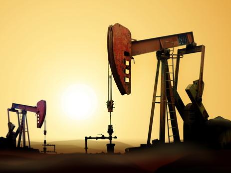 Цена нефти Brent установилась ниже 55долл. забаррель