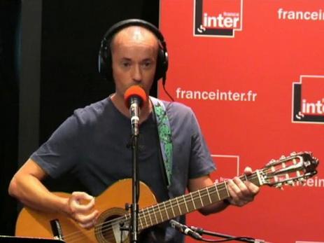 «Потешные взрывы и смерти в Стамбуле»: Французский певец написал издевательскую песню о теракте в Reina – ВИДЕО – ФОТО