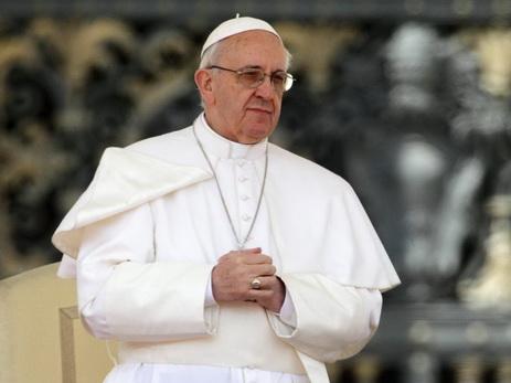 Папа римский Франциск призвал не торопиться ссуждениями оТрампе