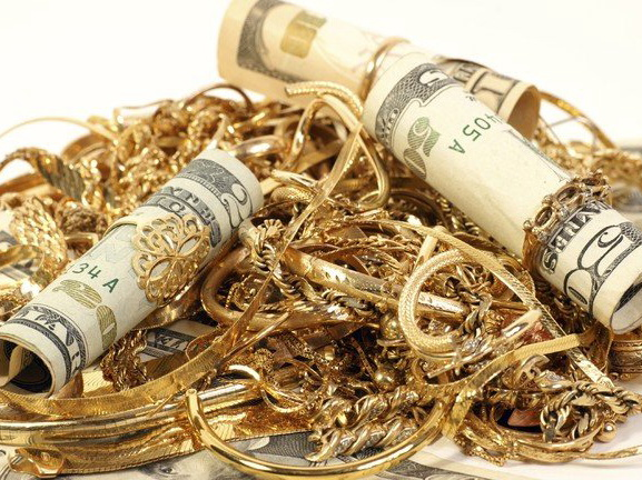 Из квартиры харьковчанина украли миллион и золото
