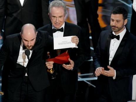 PwC довелось извиняться загрубою ошибку нацеремонии вручения Оскаров
