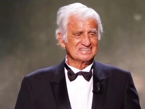 83-летний Жан Поль-Бельмондо едва сдержал слезы, видя аплодирующий ему стоя зал - ВИДЕО