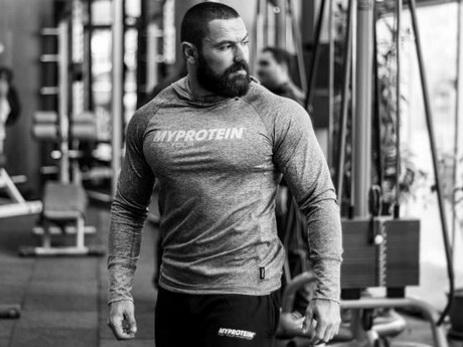 Ramil Əhməd – 1000 kiloqram ağırlıq qaldırmış insan  – FOTO – VİDEO