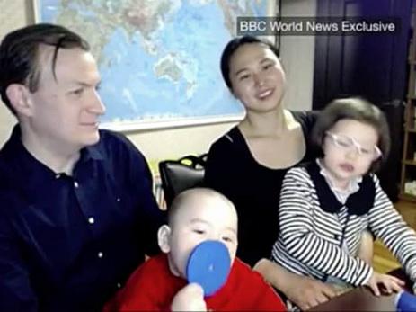 Дети профессионала Би-би-си снова «ворвались» вэфир вместе с отцом