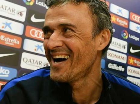 Уснувший напресс-конференции репортер рассмешил тренера «Барселоны»