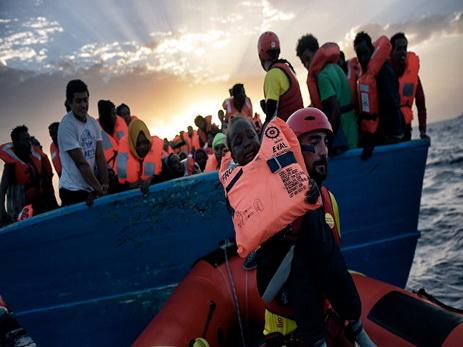 В Сицилийском проливе спасли свыше трех тысяч мигрантов