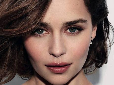 Эмилия Кларк – новое лицо аромата Dolce&Gabbana The One – ФОТО