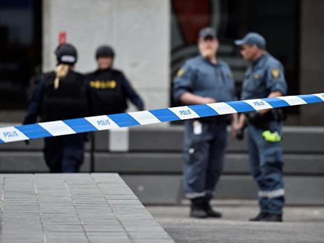Грузовой автомобиль въехал втолпу людей вСтокгольме, есть жертвы