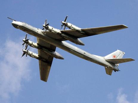CNN: Российские бомбардировщики четыре ночи летают у берегов Аляски