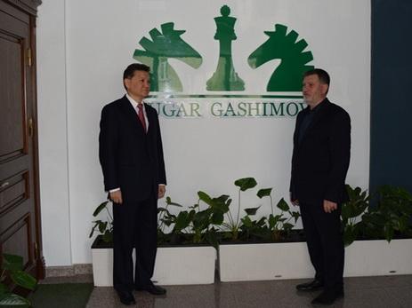 Президент ФИДЕ посетил Академию Вугара Гашимова