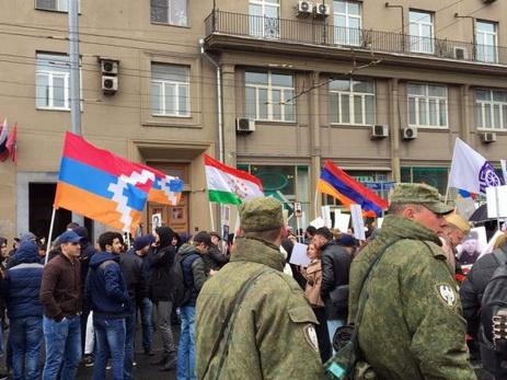 В ходе проходящей в Москве акции «Бессмертный полк» армянская диаспора прибегла к провокации - ФОТО - ВИДЕО