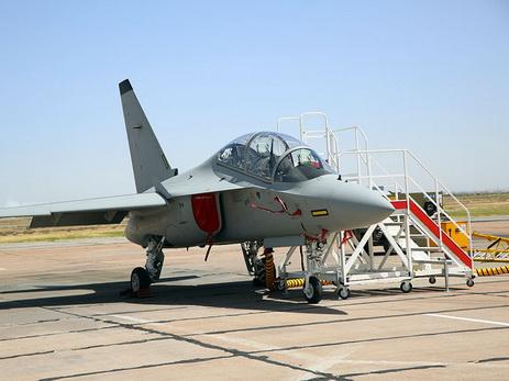 ВВС Азербайджана презентовали реактивный самолет нового поколения M-346 – ФОТО