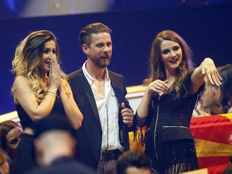 Эстрадную певицу изМакедонии позвали замуж впрямом эфире Евровидения