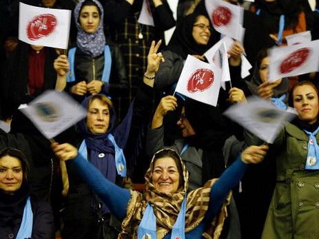 «Белое или черное»? На кого поставят иранцы на президентских выборах