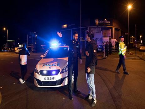 Граждане  Манчестера сообщили , что слышали взрыв вовремя полицейской операции